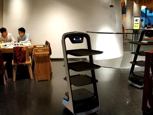 落户海底捞、巴奴火锅,普渡送餐机器人正在成为火锅业标配