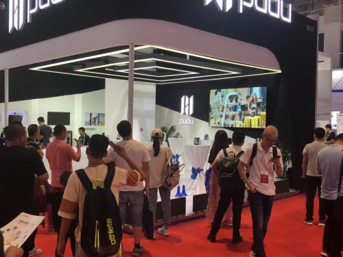 2019世界机器人大会开幕,普渡科技机器人餐厅成全场观众焦点