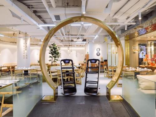 送餐机器人成行业爆款,餐饮企业将向科技化发展