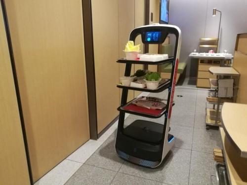 中国餐饮业用机器人突围新时代