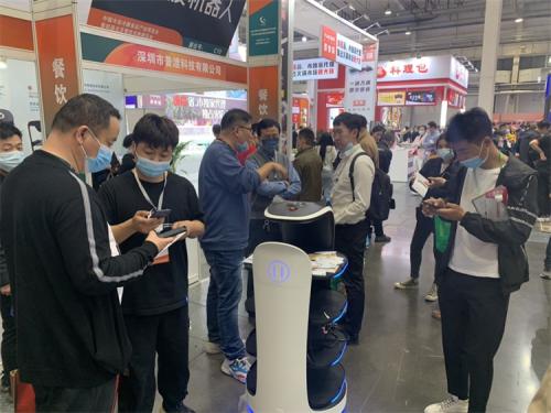 行业见证,看普渡送餐机器人惊艳北京餐饮采购展览会