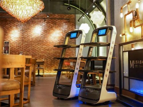 """普渡科技送餐机器人入选""""2020人工智能案例TOP100"""""""