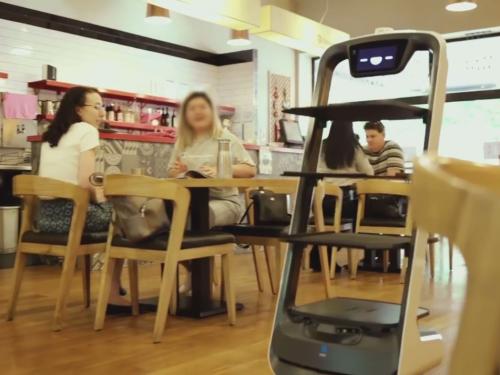 """澳洲BBQ餐厅聘请普渡送餐机器人""""欢乐送"""""""