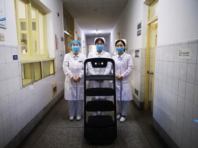 济南市传染病医院,普渡机器人紧急就位!